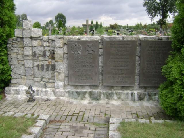 Cmentarz w Serokomli